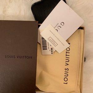Louis Vuitton Accessories - Louis Vuitton Cowhide Leather Card Holder